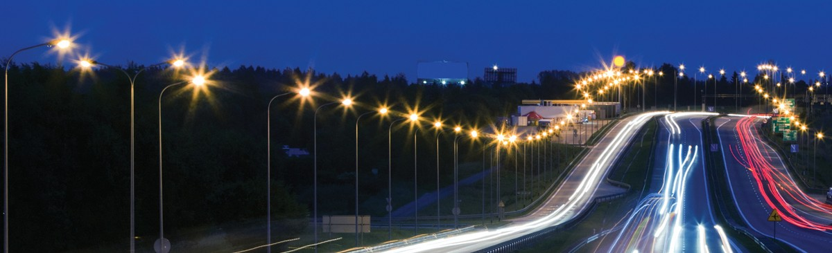 Highway-traffic-at-the-evening